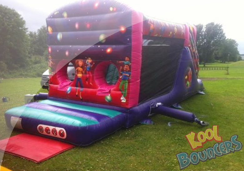 bouncy castle hire in cambridge featuring bouncy obstacle course